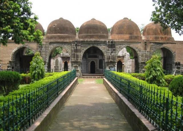 Gazi Dargah